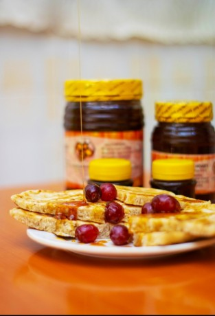 all-natural-pure-kenyan-honey-big-2