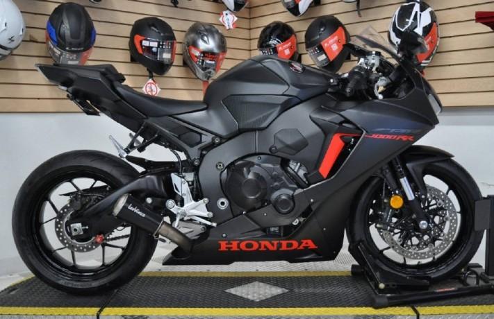 2017-honda-cbr-1000cc-19374909728-big-0