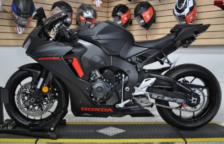 2017-honda-cbr-1000cc-19374909728-big-1