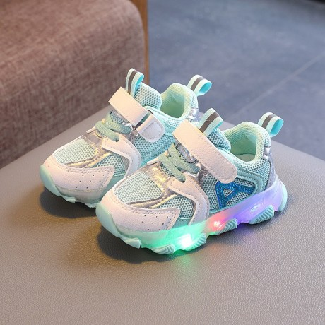 babies-shoe-big-2