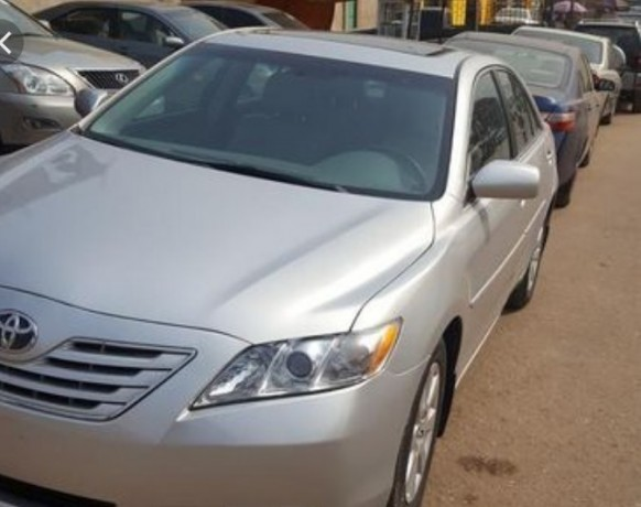 toyota-camry-muscle-big-1