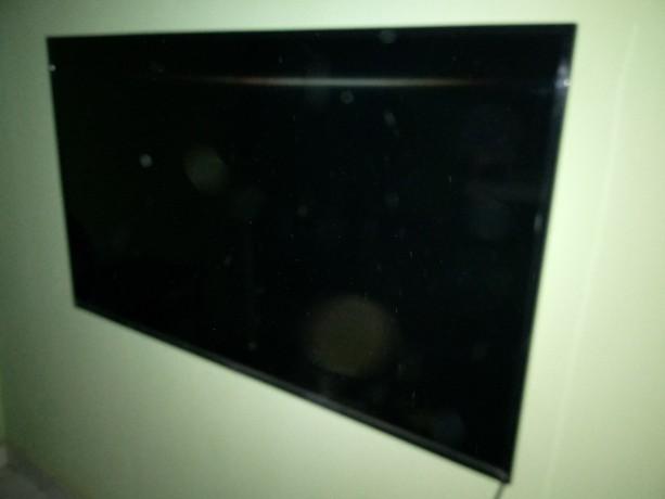 tcl-50inch-led-tv-big-1